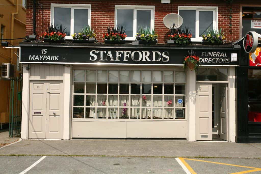 Staffords-Maypark-Ext